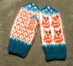 Ravelry: Tiny Foxes Mittens pattern by Natalia Moreva