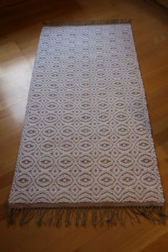 Woven Rug, Woven Fabric, Loom Weaving, Hand Weaving, Tyger, Weaving Designs, Rag Rugs, Recycled Fabric, Scandinavian Style