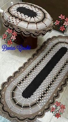 Tapete de croch Crochet Jacket Pattern, Crochet Rug Patterns, Doily Rug, Doilies, Crochet Carpet, Bathroom Crafts, Diy And Crafts, Embroidery, Rugs