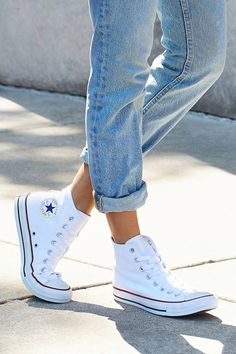 cf58c93761ff Converse Chuck Taylor All Star White High Top Trainers