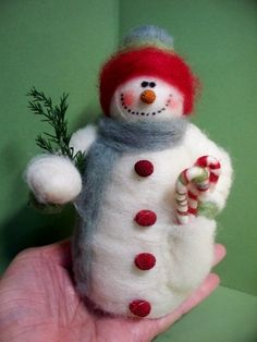 Snowy Pockets Felted Wool Snowman – NEW for 2013 - Nadelfilzen Ideen Needle Felted Ornaments, Felted Wool Crafts, Felt Crafts, Needle Felting Kits, Needle Felting Tutorials, Wet Felting, Felt Christmas Ornaments, Handmade Christmas, Christmas Crafts