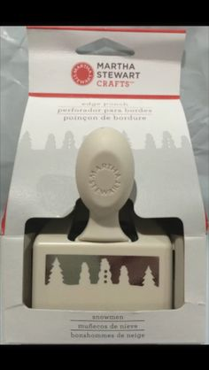 Martha Stewart - Snowmen & Pine Trees Edge Punch / Discontinued, Rare  Bordure de bonshommes de neige et de pins par Martha Stewart