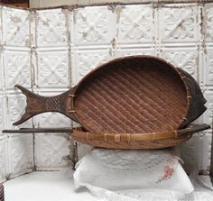 "25"" Fish Shaped Weaved Basket Tray Carved Wood Set"