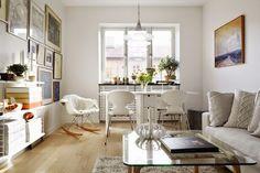 Despúes de un minipiso de 17 m2, uno de 47 m2 puede parecer un palacio ;). Un apartamento lleno de luz, con combinación de muebles de diseñ...