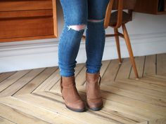Ripped Jeans: Comfort to the Extreme - Essie Button