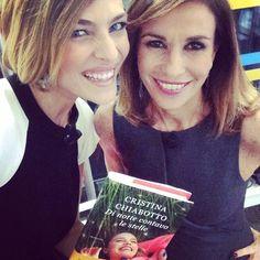 """#CristinaChiabotto Cristina Chiabotto: A tra poco in diretta con @cristina_parodi alla @vitaindiretta ci siamoooooo """"Le CriCri"""" #dinottecontavolestelle #raiuno"""