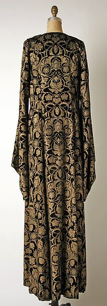 Tea gown (image 2 - back) | Mariano Fortuny | Italian | 1930-32 | silk | Metropolitan Museum of Art | Accession Number: C.I.51.86.6