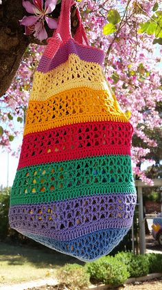 Ravelry: The Vee Bag pattern by Fiona Hawke Purse Patterns Free, Crochet Purse Patterns, Bag Pattern Free, Handbag Patterns, Knitting Patterns Free, Crochet Handbags, Crochet Purses, Crochet Bags, Crochet Shell Stitch