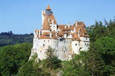 Bran Castle.  Bran, near Braov, Romania places-arquitecture-landscapes