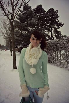 Winter pastels: mint and blue