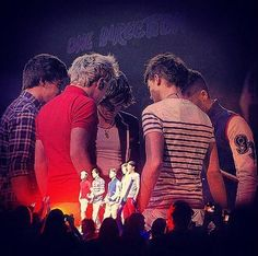 One Direction: 5 boys Harry Styles, Niall Horan, Liam Payne, Louis Tomlinson, & Zayn Malik... 4 British, 1 Irish, from X-Factor, mirrors, carrots, Nandos, spoons, curly, dimples, food, Europe, 1D3D, tour, boy band, directioner & 1D Family <3. #ForeverDirectioner <3