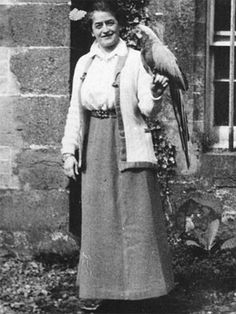 Juliette Gordon Low  1860 - 1927 FOUNDER OF THE GIRL SCOUTS  She gets a merit badge for broadening the horizons of millions of girls (who get to have a lot of fun along the trail).