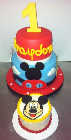 Mickey Mouse Clubhouse Cake with matching Smash cake