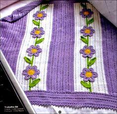 Manta con aplicaciones de flores al crochet   Todo crochet