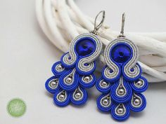 Antique Jewellery Designs, Antique Jewelry, Jewelry Design, Soutache Jewelry, Macrame Jewelry, Jewelry Drawing, Polymer Clay Flowers, Earring Tutorial, Schmuck Design
