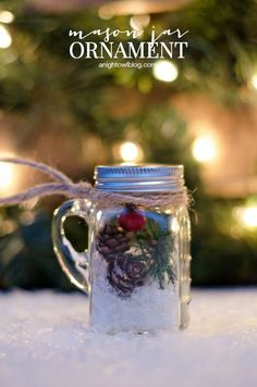These mini mason jar ornaments are so cute and quick and easy to make! Christmas Projects, Christmas Fun, Christmas Crafts, Christmas Decorations, Christmas Ornaments, Christmas Things, Christmas Wrapping, Christmas Baking, White Christmas