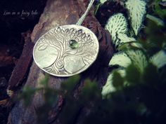 Handcrafted Tree of Life pendant with peridoto di liveinafairytale #treeoflife #celtic #tree #peridoto #olivina #paganjewelry