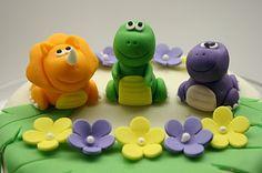 Beautiful Kitchen: Dinosaur Cake