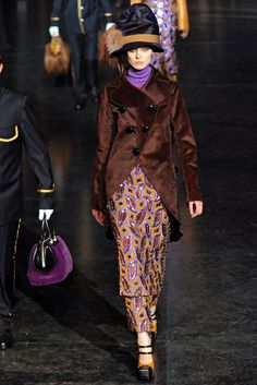 Louis Vuitton | Fall 2012 Ready-to-Wear Collection | Vogue Runway