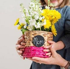 Thirty-One Your Way Bin Great Mother's Day gift idea