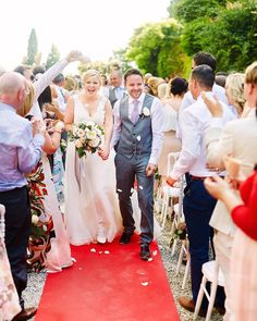 . j u s t m a r r i e d  _ Their new life has just begun. Dear Louise and Jay I wish you the best  _ #italy #toscanyweddingphotographer #europephotographer  #italia  #rome  #justmarried  #brideandgroom  #destinationweddings #dreamwedding  #married  #newlyweds  #mrandmrs  #walk #holdmyhand #film #fineartphotographer #florence  #firenze  #toscana  #wedding  #weddingday  #bride #groom #tietheknot #sotiristsakanikas