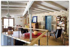 Art Symphony: A colourful spanish farmhouse