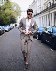 Dashing Formal Outfit Ideas for Stylish Men 32 #suits #men #outfits #UrbanMenOutfits #menfashion #mensguides #menswear #menstreetstyle #streetwear #stylish