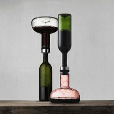 Elegantly aerate your wine with this Wine Breather Carafe.