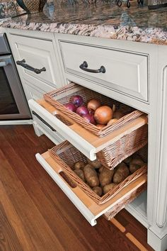 12 Storage Ideas For Fruits and Vegetables 8 Cabinet Spice Rack, Kitchen Cabinet Organization, Kitchen Cupboards, Kitchen Cart, Kitchen Tiles, Kitchen Pantry, Kitchen Storage, Diy Kitchen, Kitchen Design