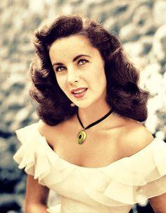 1afc64bff3de7 Elizabeth Taylor so stunning in her youth... Hollywood Glamour