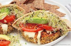 Protein, calcium, iron-rich AND it tastes amazing? These chickpea quinoa burgers in pita pockets are a comfort food dream come true!