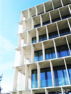 Weiss Information Science Laboratory, Baumschlager & Eberle, Building Exterior, Building Facade, Building Design, Architecture Artists, Facade Architecture, Facade Pattern, Stone Facade, Tower Design, Hotel Apartment