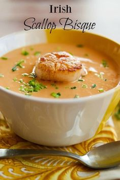 IRISH SCALLOP BISQUE - Luxurious flavors abound in this creamy bisque! With a beautifully seared scallop, it's perfect as an elegant starter course, or a light main course. Add 250 ml double cream for an extra creamy soup Seafood Stew, Seafood Dishes, Seafood Recipes, Soup Recipes, Cooking Recipes, Seafood Bisque, Clam Recipes, Lobster Bisque, Cooking Games