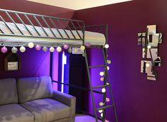 La guirlande lumineuse Purple de GuirLED habillera avec classe votre loft. Avec ses tons blancs et violets, elle s'intègre parfaitement dans une ambiance loft et industrielle.