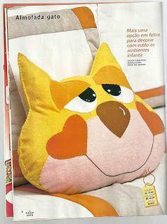 Almofada em feltro gato com molde