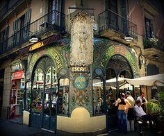 pastelería escriba   -  La Rambla, 83  El Raval  Barcelona  08001    -  creative and custom cakes and pastries   -  el reval neighborhood