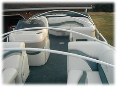5 Must Haves For Pontoon Boats Boat Life Pinterest