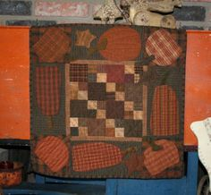Plaid Pumpkin anything FALL…love Wool Applique Patterns, Applique Quilts, Quilt Patterns, Primitive Quilts, Primitive Crafts, Quilt Corners, Pumpkin Applique, Country Quilts, Halloween Quilts