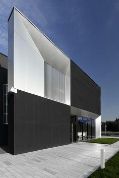 https://flic.kr/p/s5JpTe | Nova | Place: Poland, Jaworzno Type: Office Built: 2014 Architect: Pracownia 111 - Miłosz Stopiński, Tomasz Miąskiewicz Investor: Nova Trading Space: 700m2