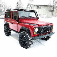 Land Rover Defender 90 Td5 Sw County in snow