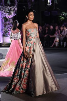 Manish Malhotra | Lakme Fashion Week Winter Festive 2016 #LFWWF2016 #manishmalhotra #PM