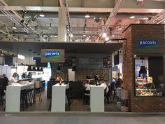 Willkommen in der Metzgerstube - Pacovis mit bleibendem Auftritt.  #Exhibition #Messebau #Messedesign #Standbau #Stoffwand #Tischler #Scheiner #Werbetechnik #Interior Metzger, Broadway Shows, Carpenter, Interior Design, Ideas