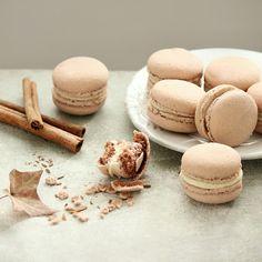 Cinnamon Macaron by Cofetaria Armand