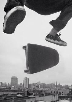 Giant kickflip over the city - skate photography Skate 3, Skate Girl, Skate Style, Surf Style, Skate Photos, Skate And Destroy, Concrete Jungle, Longboarding, Skateboards
