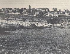 Paseo de los Puentes en los años 60 del pasado siglo. Se aprecia el acueducto y detrás el depósito de Ciudad Jardín