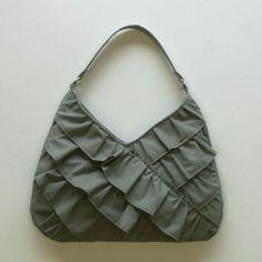 Ruffled Project Bag ~ Free Crochet Pattern