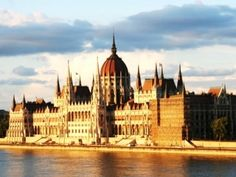 8 Brilliant Free Things to Do in Budapest ... Adding this to our summer trip plans