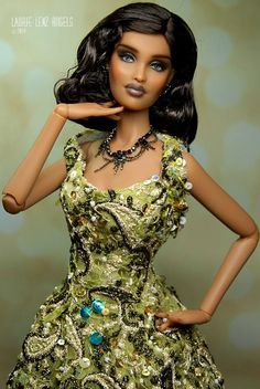 Prego: FS OOAK Kingdom Doll Brigantia and Strike a Pose hands. Taking best offers til tomorrow at 9pm EST >