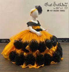 Baby Birthday Dress, Birthday Dresses, Girl Birthday, Cake Smash Photography, Balloons Photography, Little Girl Dresses, Girls Dresses, Baby Frocks Designs, Kids Frocks