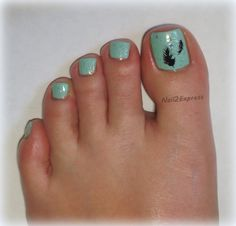 Sparkling Feathers Pedicure